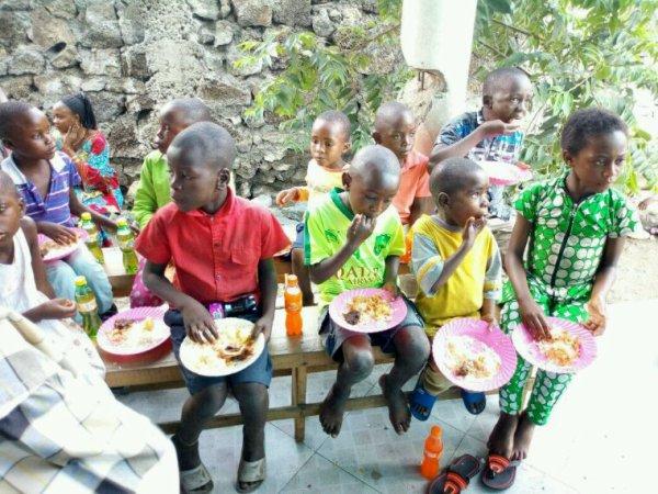 Action pour les enfant pour une bonne fête de fin d'année