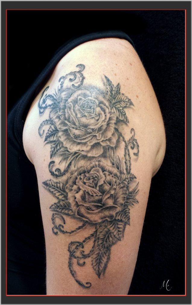 Roses avant le blanc