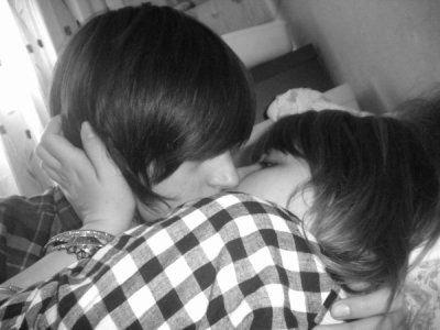 Coment embrassé un mec ?!