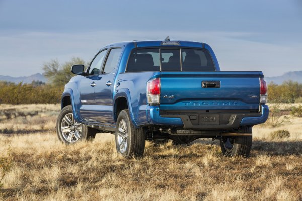 Detroit 2015: Toyota Tacoma Pickup
