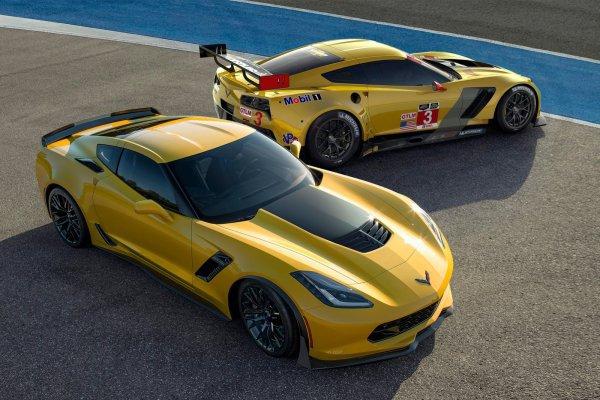 2015 Corvette Z06 A 625HP, est plus rapide que la ZR1 sur la piste!
