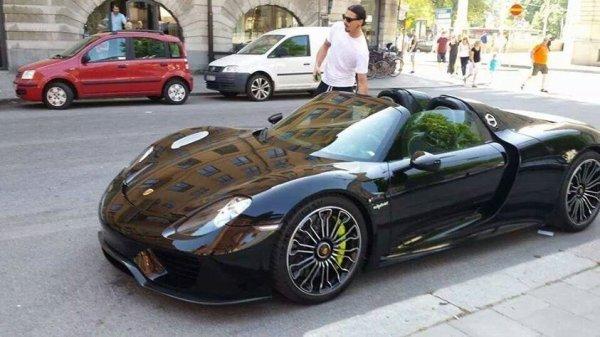 Zlatan et Sa nouvelle Porsche