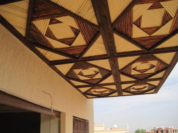 Artisanat Marocain du plafond Tataoui ( Faux plafond - False ceiling )