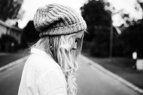 Elle ne savait pas que l'enfer, c'est l'absence. {(Paul Verlaine)}
