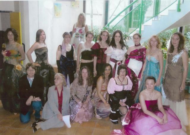 """Nous dans nos """"Robes-du-bac"""" (Année 2005 !! )"""