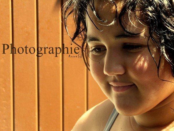 • On a tous prit ce plaisir un jour ... de jouer dans l'eau et en rire aux éclats.