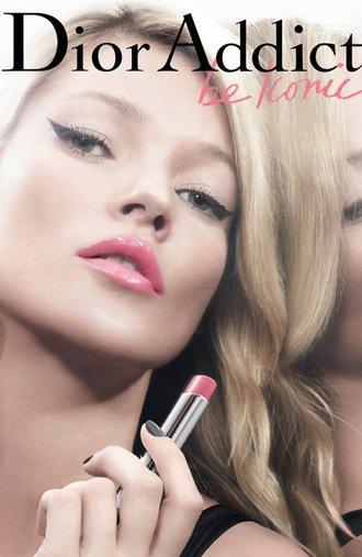Kate Moss égerie du rouge à lèvre Dior Addict.
