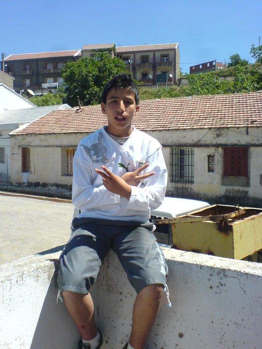 moi mazigh ma premiere photo sur sky rock je vien de cree mon blog lacher vos com