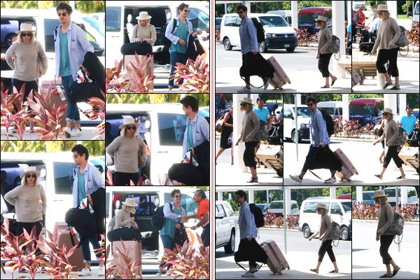 ''• '04/08/18:'' Ashley Tisdale a été vue alors qu'elle arrivait à son hôtel qui se situait à Cancun au Mexique ! Effectivement après avoir passé quelques jours à Tulum notre actrice s'est rendue à Cancun. Je lui accorde un petit top pour cette tenue !