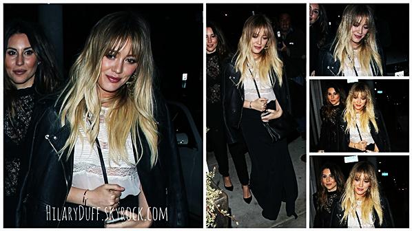 . ♦♦ ► 17 Décembre 2016 : Hilary Duff a été dîner en ville au« Catch Restaurant» dans W. Hollywood ! ■ Miss Duff est magnifique dans cette tenue ! Et le retour de la frange, elle est sublime avec cette coupe. Gros TOP pour sa tenue !!!■ .