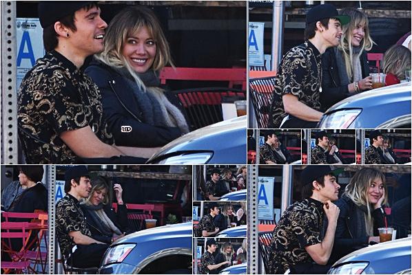 . ♦♦ ► 15 Janvier 2017 : Hilary Duffa d'abord été dans un café à Santa Barbara avec Matthew Koma. ■Hilary semble très complice avec ce chanteur, et oui c'est un chanteur ! J'adore la voir sourire ainsi, ça fait vraiment plaisir. TOP!■ .