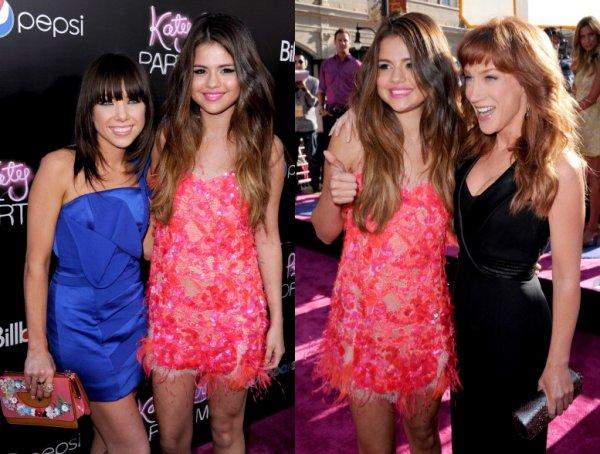 26/06/12: Selena s'est rendue à l'avant-première du biopic de Katy Perry: « Part of Me » en 3D. Elle portait une robe rose avec des talons dorée.