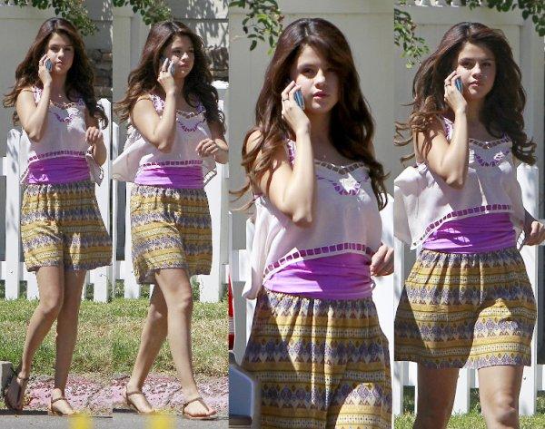 29/08/12: Justin rend visite à Selena sur le tournage.
