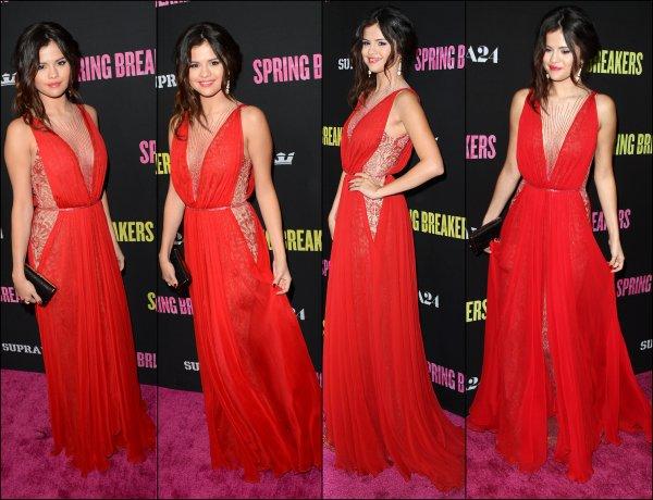 14/03/13: Selena et le cast était à la première de Spring Breakers à Los Angeles.