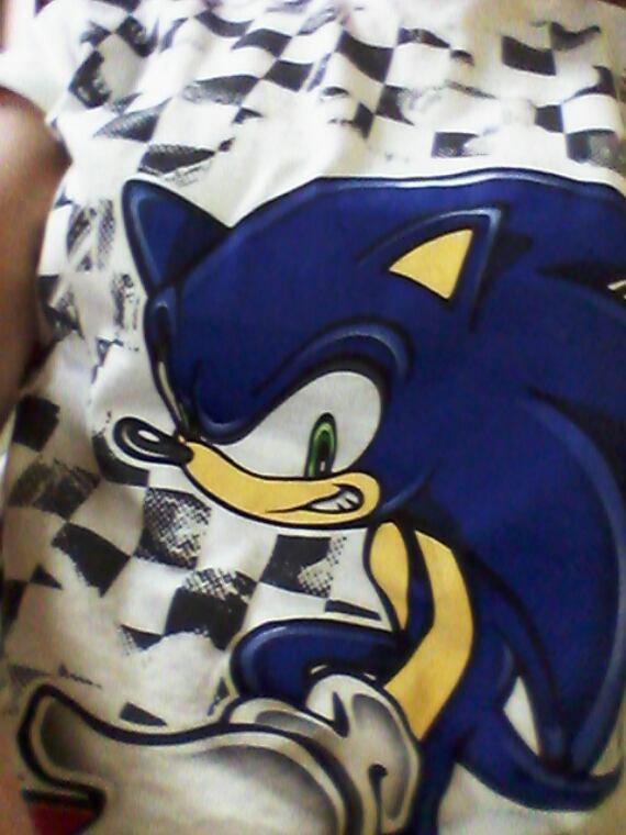 Mon t-shirt Soniku x3