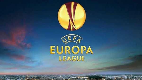 Manchester United tombe au Feyenoord Rotterdam, la Roma freinée