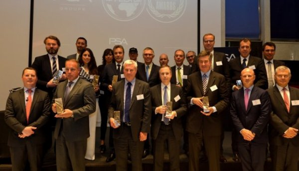 Info CGT Cie Compiégne Groupe Cie Automotive :PSA récompense ses équipementiers ,CIE Automotive (Compiègne) ont remporté ce trophée.