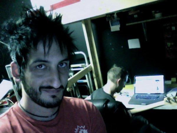 Twitter Mateo | Scans Kerrang Magazine | Partenariat