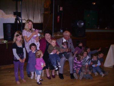 En famille avec mes couz's et mes arrière grands-parents!!!!!!!