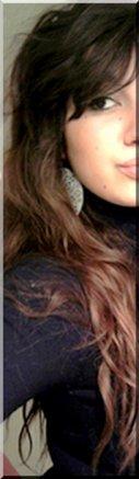 Le sourire aux lèvres, les larmes aux yeux, on souffre en silence pour faire croire qu' on va mieux...