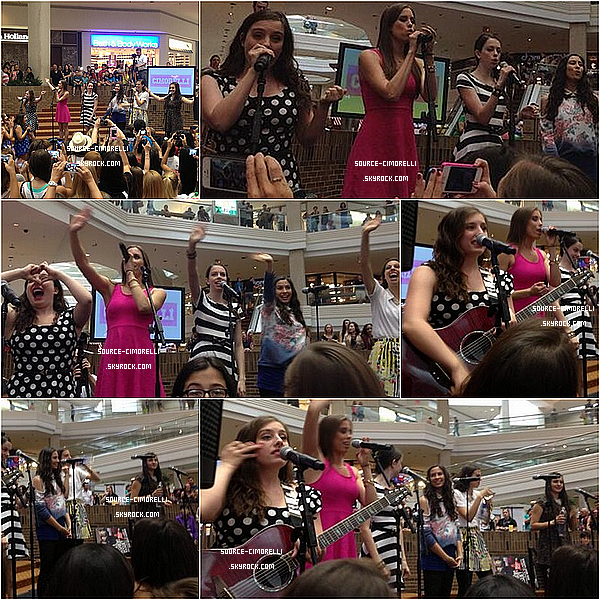 10.08.2013 - Les Cimorelli ont performé au Woodfield Mall à Chicago.