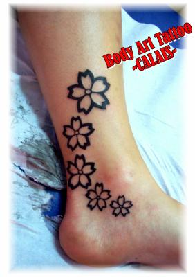 fleurs de cerisier stylis es body art tattoo 23 rue de valenciennes 62100. Black Bedroom Furniture Sets. Home Design Ideas
