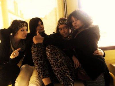 Gaëlle, Sarah, Mallorie &  Lysa