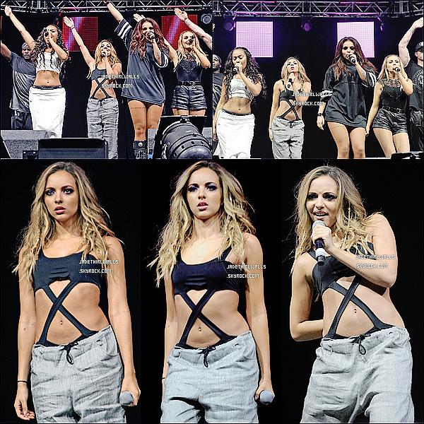 . 20.07.14 PERF • Jade et les filles ont donné concert à la Radio City Summer.  .