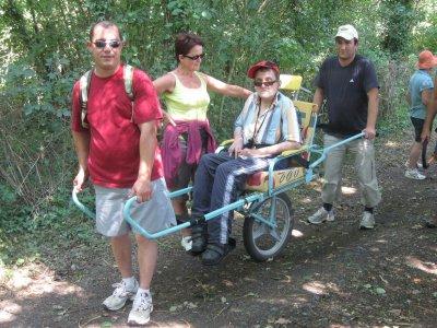 Article N° 17 B - 02 juillet 2011. Rando avec le Foyer Thérèse Vohl de Laval et l'amicale des pompiers de Chailland