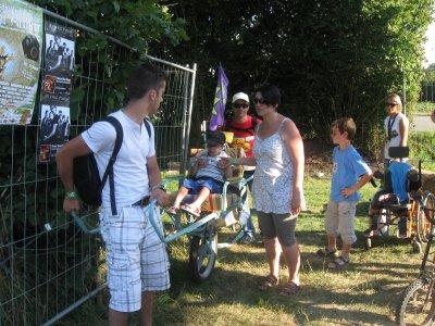 """Article N° 16 B - 01 et 2 juillet 2011. Festival """"au foin de la rue"""" à St Denis de Gastines"""