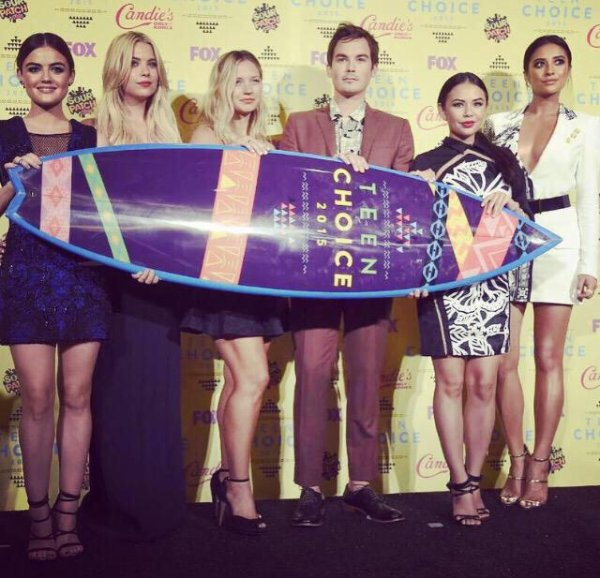 Teen Choice Awards 2015 = La puissance de la PLLArmy !