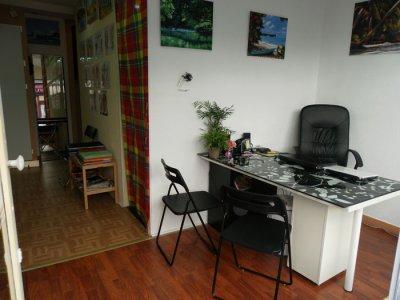"""Salut à tous je vous présente la nouvelle boutique de tatouage, piercing à Paris... le 1er salon de tatouage ouvert par un antillais en France...  toutes les infos et d'autres photos sur mon site www.gwadatattoo.com  et je suis également sur Facebook : officiel gwadatattoo  Si vous avez des questions, projets tattoo, piercing ... N'hésitez pas ;-) Nous sommes là pour ça ! Bonnes visites à tous et a toutes et comme le veux la coutume ici  """" Bah lacher vos COM's ;-) """" mon facebook  officiel gwadatattoo rejoins moi..."""