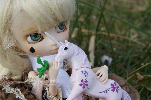 ~L'Art et la Manière d'Elever un Bébé Licorne ♥