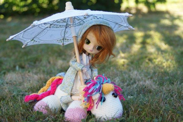 ~Oui c'est une licorne. Mais c'est bien les licornes. T'as un problème avec les licornes ? ♥