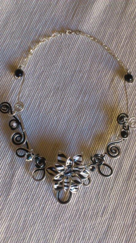 colliers en fil aluminium 15 euros