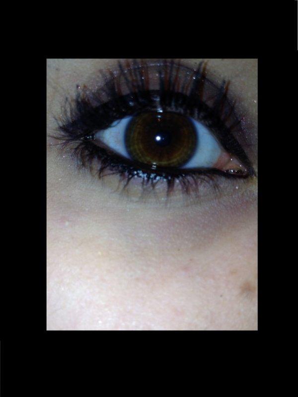 :'(tu peut le voir dans mes yeux la souffrance que j'ai au-fond de moi