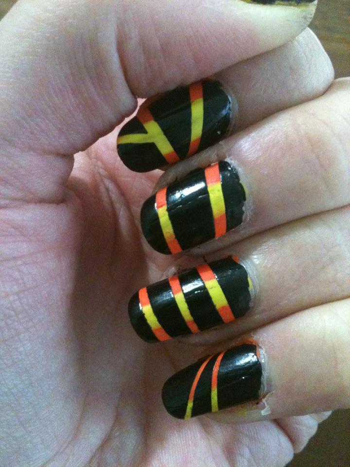 Vernis jaune, orange et noir