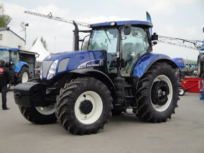 new holland t 7060 blue power