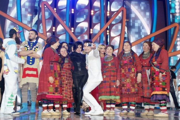 Julia on Eurovision Final