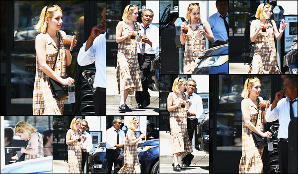 30.06.2016 ─ Emma Roberts a été photographiée alors qu'elle quittait un immeuble se situant dans Los Angeles.La magnifique actrice a ensuite été vue quittant Joan's on third. Concernant sa tenue, je n'aime pas sa robe, c'est un flop de ma part. Et vous, avis ?