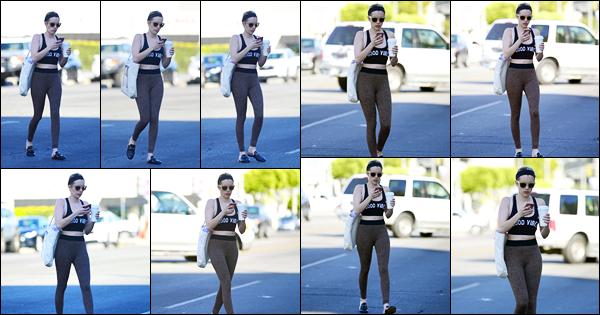 -22/02/2018- ─ Emma Roberts a été photographiée alors qu'elle quittait son cours de danse, se situant, dans Los Angeles.La belle blondinette enchaînent les sorties en ce moment, peu de photos, mais c'est un vrai plaisir ! Concernant sa tenue, c'est un jolie top pour ma part !