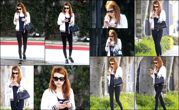 27.05.2016 ─ Emma Roberts a été photographiée alors qu'elle se promenait, dans les rues, dans West Hollywood.La magnifique actrice enchaîne les sorties en ce moment. Concernant sa tenue c'est un top de ma part, même si c'est tout simple. Et vous, vos avis ?