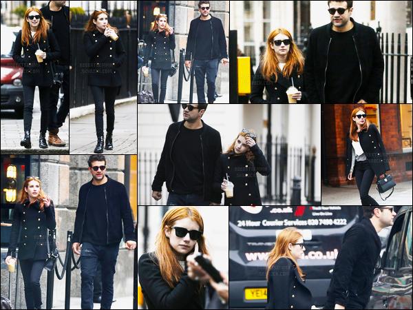01.06.2016 ─ Emma Roberts a été photographiée pendant qu'elle se promenait dans les rues étant dans Londres.La magnifique actrice a été photographiée en compagnie du styliste Christopher Hines, son petit ami. Concernant sa tenue, c'est un top pour ma part !