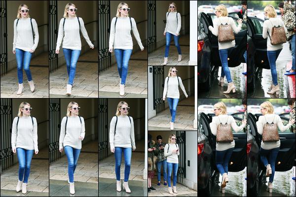 09.01.2018 ─ Emma Roberts a été photographiée alors qu'elle quittait la boutique «Ralph Lauren», à Los Angeles.La belle blonde, pour cette première sortie de la nouvelle année, était en compagnie de sa meilleure amie, Brit... Concernant sa tenue, c'est un jolie top !