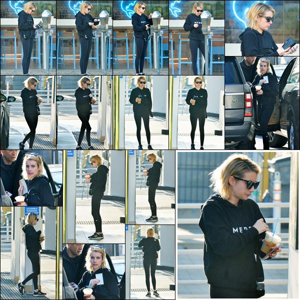 11.01.2018 ─ Emma Roberts a été photographiée alors qu'elle se promenait dans les rues étant dans Beverly Hills.Notre belle blondinette Emma Roberts est très active en ce début d'année. C'est dans une tenue de sport que nous la retrouvons, c'est un bof de ma part