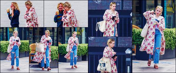 -16/06/2018- ─ Emma Roberts a été photographiée, alors, qu'elle faisait du shopping avec une amie étant à Los Angeles !La belle blondinette Emma profite de son temps libre pour passer du temps avec ses amies ! Concernant sa tenue, c'est un très beau top pour ma part !