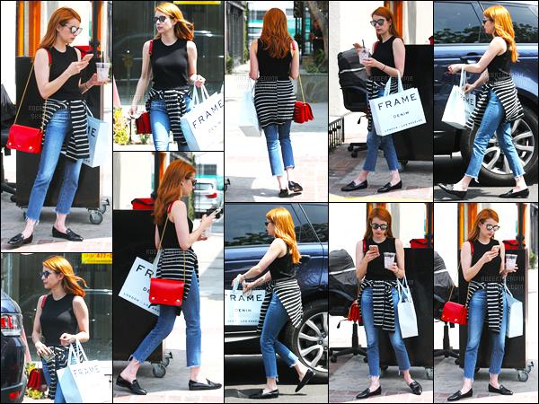 08.06.2016 ─ Emma Roberts a été photographiée, alors, qu'elle faisait du shopping, qui est, au West Hollywood.La magnifique actrice a été photographiée dans une tenue assez simple mais très à mon goût. Je n'aime pas du tout ces chaussures, et vous, avis ?!