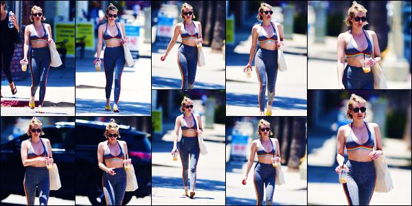 -07/07/2018- ─ Emma Roberts a été photographiée, alors, qu'elle quittait son cours de gym, se situant dans Los Angeles !De retour de France depuis quelques jours, la jolie actrice est de retour à ses cours de gym ! Concernant sa tenue, c'est un très jolie top pour ma part !