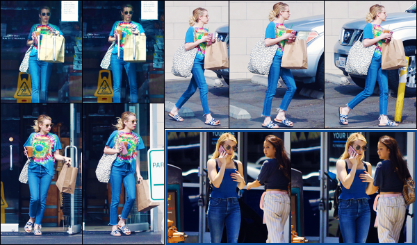 -20/08/2018- ─ Emma Roberts a été photographiée, alors, qu'elle quittait un supermarché dans le quartier dans Los Feliz.Quelques jours plus tôt, la belle actrice E. a été photographiée au téléphone dans Los Angeles. Concernant sa tenue, c'est un très jolie top pour ma part !