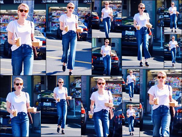 -07/09/2018- ─ Emma Roberts a été photographiée, alors, qu'elle quittait un café dans les rues de la ville de Los Angeles.C'est encore une fois seule que nous retrouvons Emma Roberts allant chercher son café du matin ! Concernant sa tenue, c'est un jolie top pour ma part !